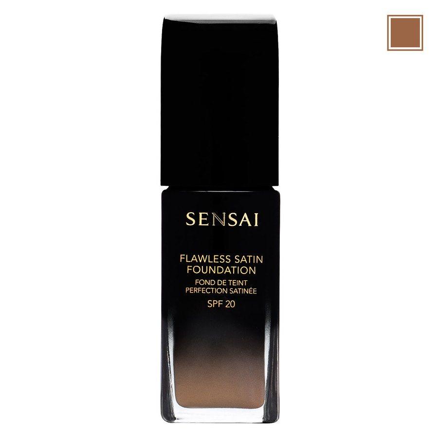 Sensai Flawless Satin Foundation FS204.5 Warm Beige 30ml
